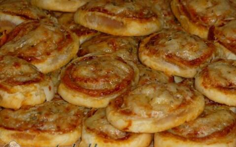 Mini pizzás csiga
