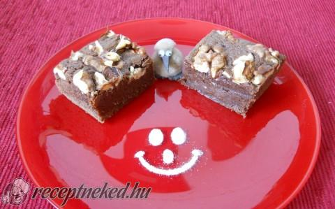 Konyakmeggyes brownie