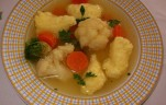 Zöldségleves sajtgaluskával
