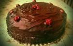 Meggyes-csokitorta
