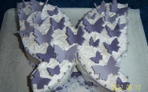 Meggyes pillangó torta