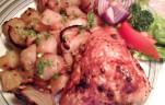 Csirkecombok medvehagymás burgonyával