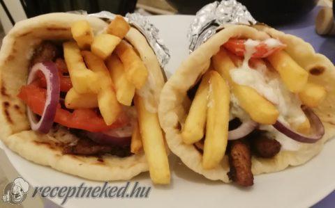 Görög gyros házi pitában