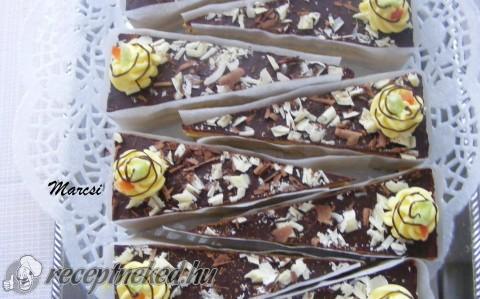 Vaníliás torta szeletek