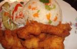 Zöldséges rizs, rántott csirkemellel