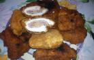 Rántott csirkemell sajttal baconnel