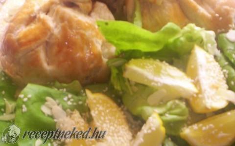 Csirkecombok leveles tésztában