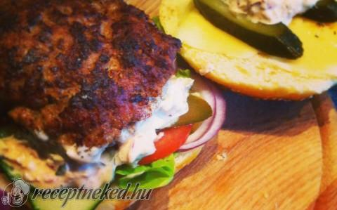 Danadi's juicy lucy hamburgere