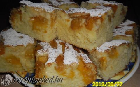Kefires-gyümölcsös süti