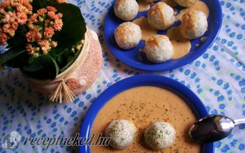 Rizsgolyók édes-savanyú mártásban