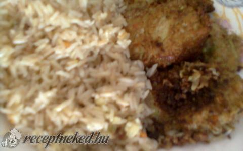Cukkinifasírt párolt rizssel