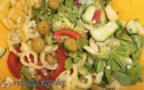 Fűszerkeverékes saláta