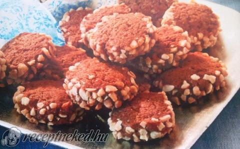 Karamellás-mogyorós korongok