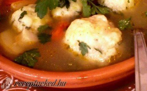 Zöldséges burgonyagombóc leves