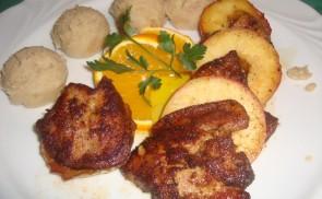 Libamáj, grillezett alma, gesztenyés burgonyapüré