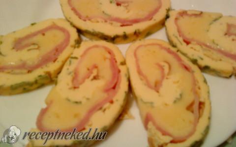 Tojásos sajttekercs