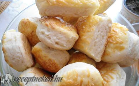 Omlós sajtos pogácsa