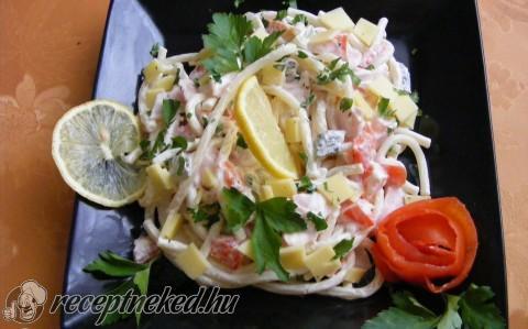 Sonkás makarónis saláta