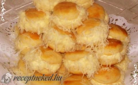 Borzas sajtos pogácsa