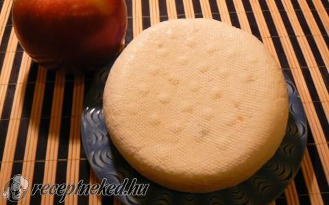 Fokhagymás házi sajt