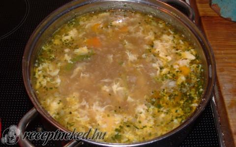 Savanyú-csípős kínai leves