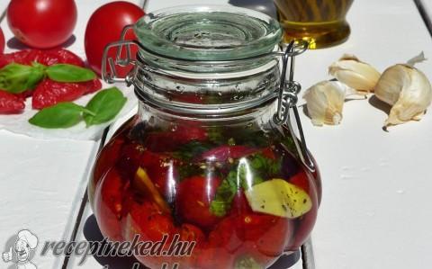 Aszalt paradicsom fűszeres olajban