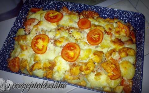 Csirkés-sajtos -paradicsomos rakott krumpli