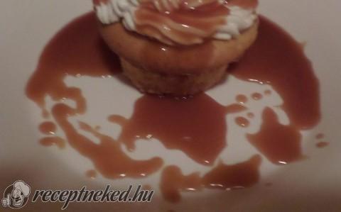 Francia krémes cupcake (mini torta)