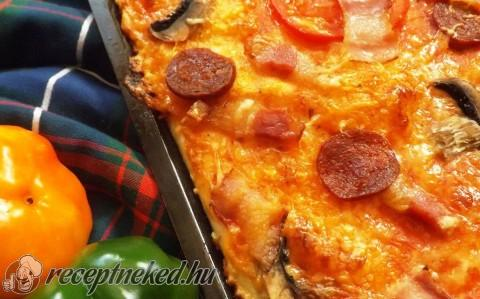 Extrán magyaros pizza