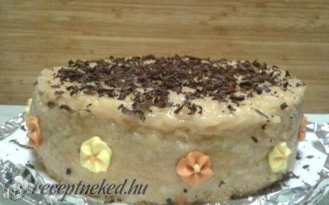 Almás-pudingos torta
