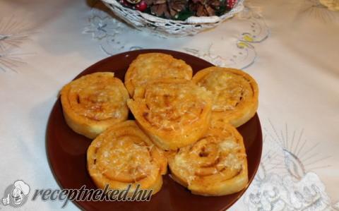 Burgonyás-sajtos csigák