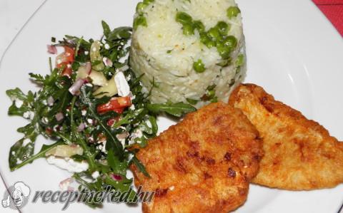 Hekk filé kecskesajtos rukkola salátával