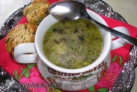 Zöldfűszeres burgonyaleves.