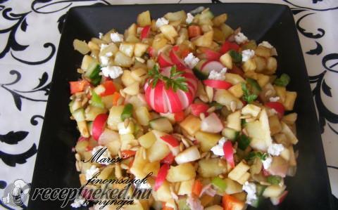 Színes zöldségsaláta