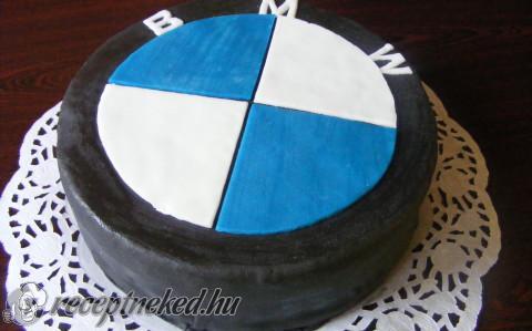 bmw torta képek BMW torta recept Domján Mária konyhájából   Receptneked.hu bmw torta képek