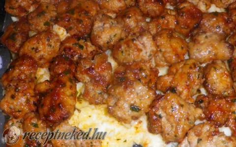 Sajtburger fasírt krumplipürével