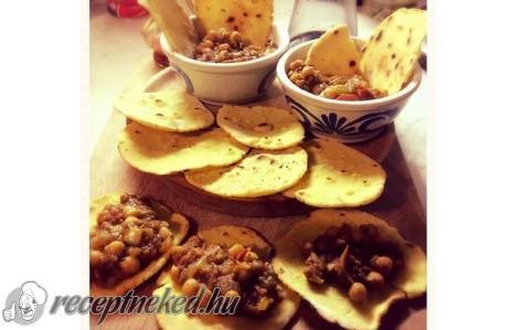 Indiai csicseriborsó (Chana masala)