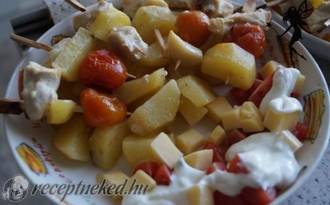 Mini saslik tzatziki salátával