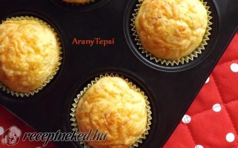 Egyszerű sajtos muffin