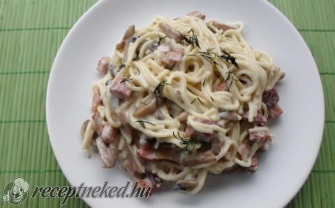 Sonkás kapros spagetti