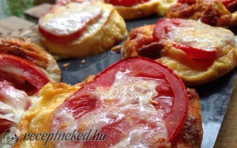 Paradicsomos-kolbászos mini omlett
