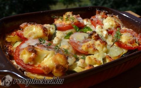 Cukkinis tepsis krumpli