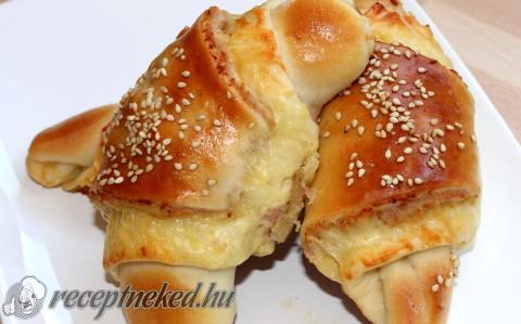 Sonkás-sajtos bagetti