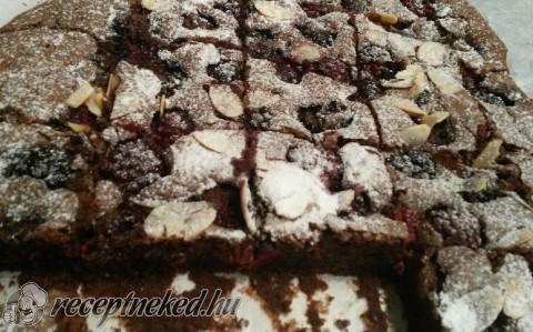 Mascarponés-feketeszedres brownie
