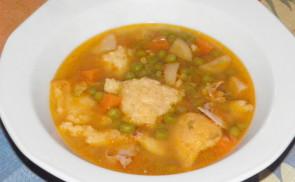 Zöldborsó leves csirkehússal