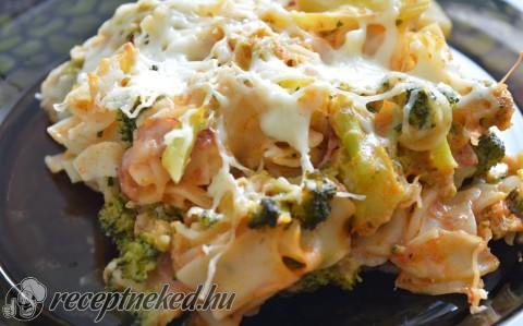 Brokkolis tészta mediterrán módra