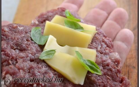 Alföldi rántott szelet sajttal töltve, pirított paradicsomos zöldbabbal