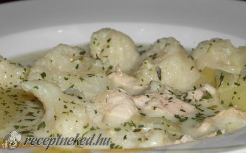Karfiolleves csirkehússal