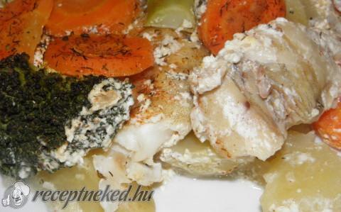 Tejszínes tengeri hal zöldségekkel