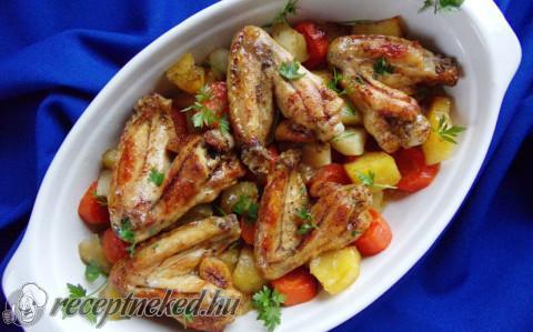 Zöldségágyon sült csirkeszárnyak